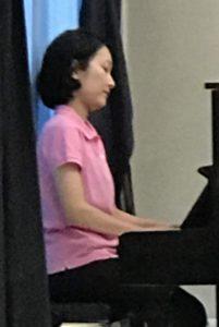 ピアノ演奏磯崎